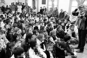 Diario El Telégrafo: Entregaron mochilas llenas de libros para alumnos de escuelas rurales