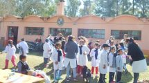 Diario Crónicas: Escuela Nº 110 de Pamer Trabaja Junto a la Comunidad en un Proyecto de Identidad